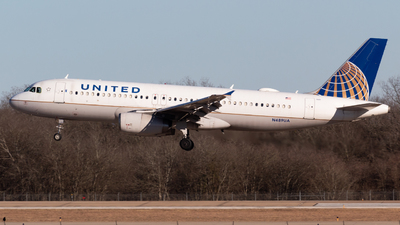 A picture of N489UA - Airbus A320232 - United Airlines - © Saul Hannibal