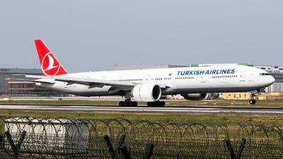 A picture of TCJJV - Boeing 7773F2(ER) - Turkish Airlines - © Sebastian Shen