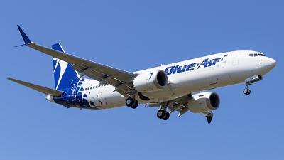 A picture of YRMXD - Boeing 737 MAX 8 - Blue Air - © Loredana Cioclei
