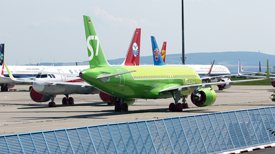 D-AUAS - Airbus A320-271N - S7 Airlines