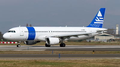 LZ-MDO - Airbus A320-214 - Alpeflyet (Via Airways)