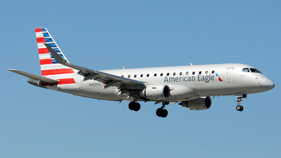 A picture of N429YX - Embraer E175LR - American Airlines - © Alexander Portas