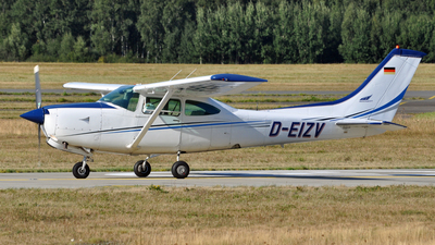 D-EIZV - Cessna TR182 Turbo Skylane RG - Private