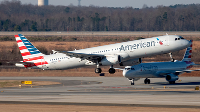 A picture of N974UY - Airbus A321231 - American Airlines - © Yan777