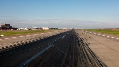 UUEE - Airport - Runway