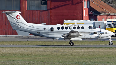 T-721 - Beechcraft B300C King Air 350C - Switzerland - Air Force