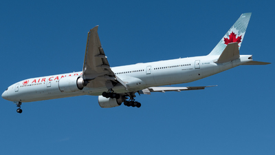A picture of CFKAU - Boeing 777333(ER) - Air Canada - © Michal Mendyk