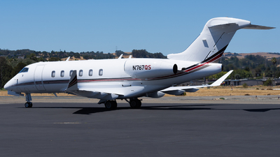 A picture of N767QS - Bombardier Challenger 350 - NetJets - © Taylor Kim