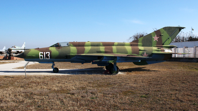 613 - Mikoyan-Gurevich MiG-21M Fishbed J - Bulgaria - Air Force