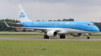 A picture of PHEZT - Embraer E190STD - KLM - © Jan-Eike Berger