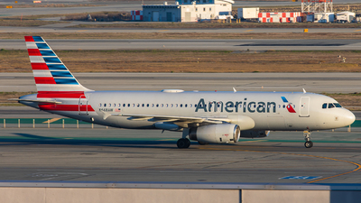 A picture of N668AW - Airbus A320232 - American Airlines - © Tyler Su