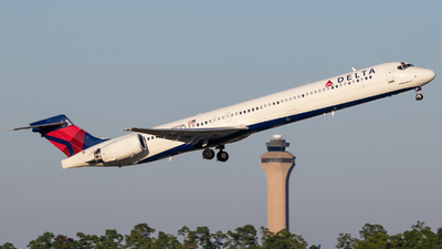 N921DN - McDonnell Douglas MD-90-30 - Delta Air Lines