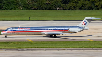 N494AA - McDonnell Douglas MD-82 - American Airlines