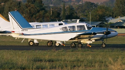 VH-TLC - Piper PA-23-250 Aztec - Private