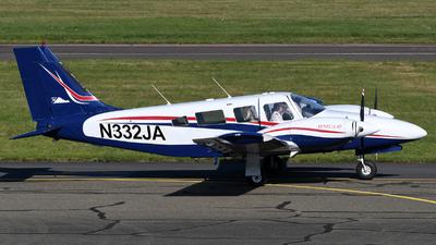 N332JA - Piper PA-34-220T Seneca III - Aéropyrénées