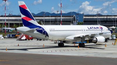 CC-BFE - Airbus A320-214 - LATAM Airlines