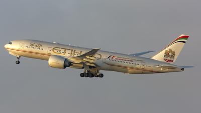 A6-LRC - Boeing 777-237LR - Etihad Airways