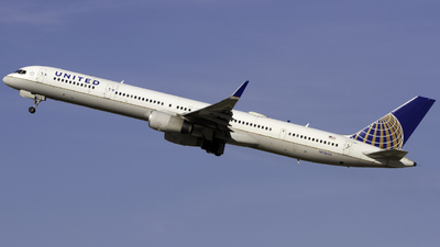 A picture of N75854 - Boeing 757324 - United Airlines - © Andrew Seong