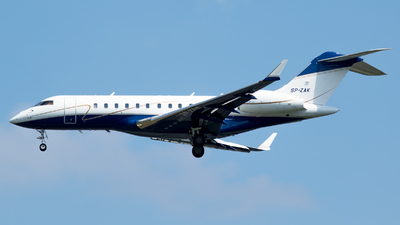 SP-ZAK - Bombardier BD-700-1A11 Global 5000 - Jet Story