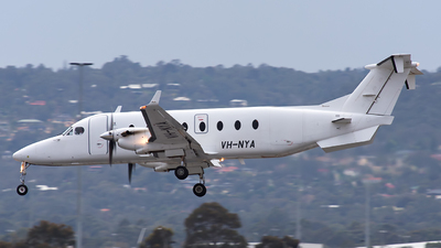 VH-NYA - Beech 1900D - Maroomba Airlines