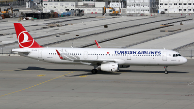 A picture of TCJTL - Airbus A321231 - Turkish Airlines - © Stefan Mayer