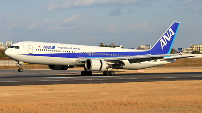 A picture of JA610A - Boeing 767381ER - All Nippon Airways - © Tokubee