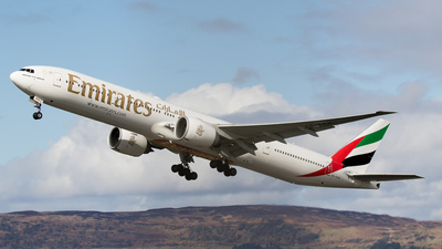 A picture of A6EPS - Boeing 77731H(ER) - Emirates - © Rolf Jonsen
