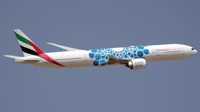 A picture of A6ENI - Boeing 77731H(ER) - Emirates - © Buzu