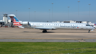 A picture of N593NN - Mitsubishi CRJ900LR - American Airlines - © Infinitely Flying