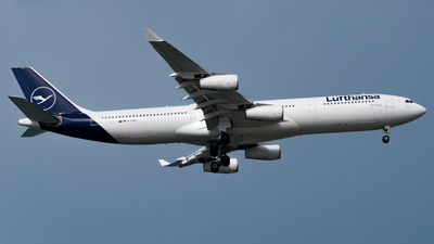 A picture of DAIGM - Airbus A340313 - Lufthansa - © Lum Wei Tuck