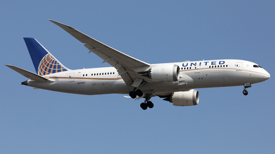 A picture of N27903 - Boeing 7878 Dreamliner - United Airlines - © Len Schwartz