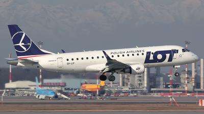A picture of SPLIF - Embraer E175LR - [17000154] - © giorgio parolini