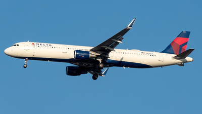 A picture of N361DN - Airbus A321211 - Delta Air Lines - © Yan777