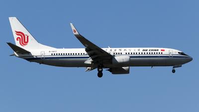 B-1977 - Boeing 737-89L - Air China