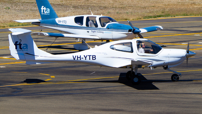 A picture of VHYTB - Diamond DA40 Diamond Star - [40.891] - © Noah Pitkin