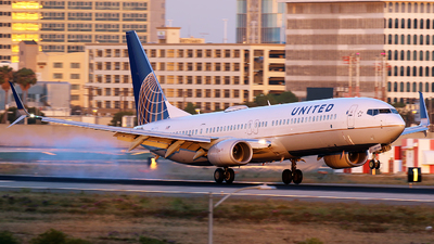 N68823 - Boeing 737-924ER - United Airlines