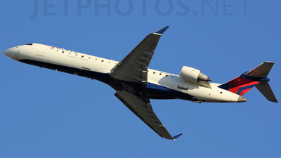 A picture of N718EV - Mitsubishi CRJ701ER - SkyWest Airlines - © Orlando Suarez