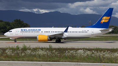 A picture of TFICY - Boeing 737 MAX 8 - Icelandair - © Dranob