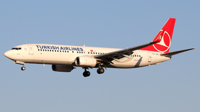 A picture of TCJVL - Boeing 7378F2 - Turkish Airlines - © Alberto Cucini