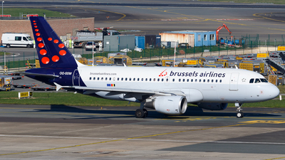 A picture of OOSSW - Airbus A319111 - Brussels Airlines - © Matteo Lamberts