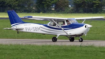 A picture of PHSBM - Cessna F172N Skyhawk - [F17201637] - © Jeroen Stroes