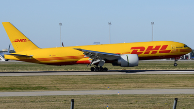 A picture of DAALL - Boeing 777F - DHL - © Benjamin Exenberger