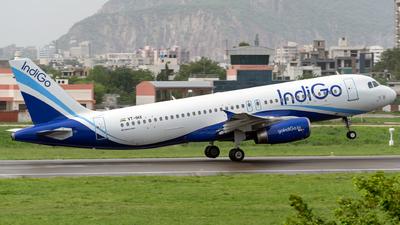 VT-IHX - Airbus A320-232 - IndiGo Airlines