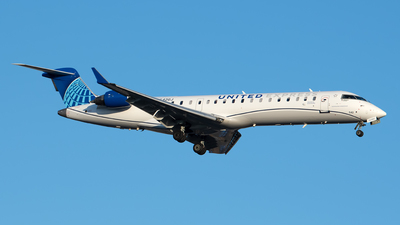 A picture of N542GJ - Mitsubishi CRJ550 - United Airlines - © Cary Liao