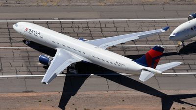 A picture of N829NW - Airbus A330302 - Delta Air Lines - © Rocky Wang