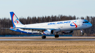 A picture of VPBVF - Airbus A321231 - Ural Airlines - © Alexander Lebedev
