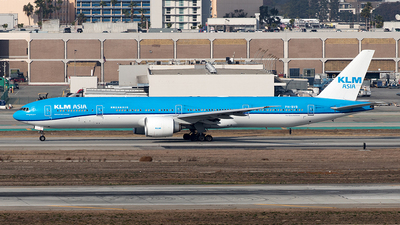 A picture of PHBVB - Boeing 777306(ER) - KLM - © Yixin Chen