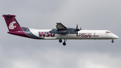 A picture of N401QX - De Havilland Canada Dash 8400 - Alaska Airlines - © David Lee