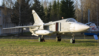 40 - Sukhoi Su-24M Fencer - Belarus - Air Force