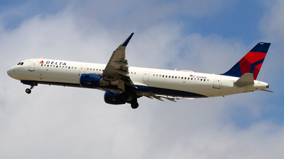 A picture of N314DN - Airbus A321211 - Delta Air Lines - © Jeremy D. Dando